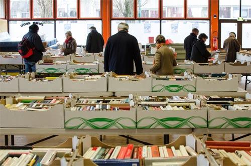 la 1ère Foire aux livres organisée par le Lions Club